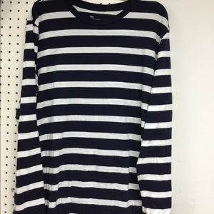 Tops - Long sleeve Gap tee shirt